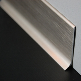 Plintenfabriek | Aluminium plint geborsteld zijdeglans titanium - eenvoudig online bestellen