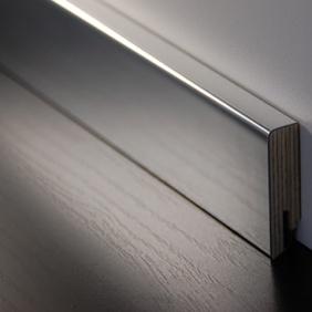 Plintenfabriek | Aluminium fineerplint spiegelend - eenvoudig online bestellen