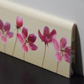 Plintenfabriek | Kinderplint met roze bloemprint - eenvoudig online bestellen